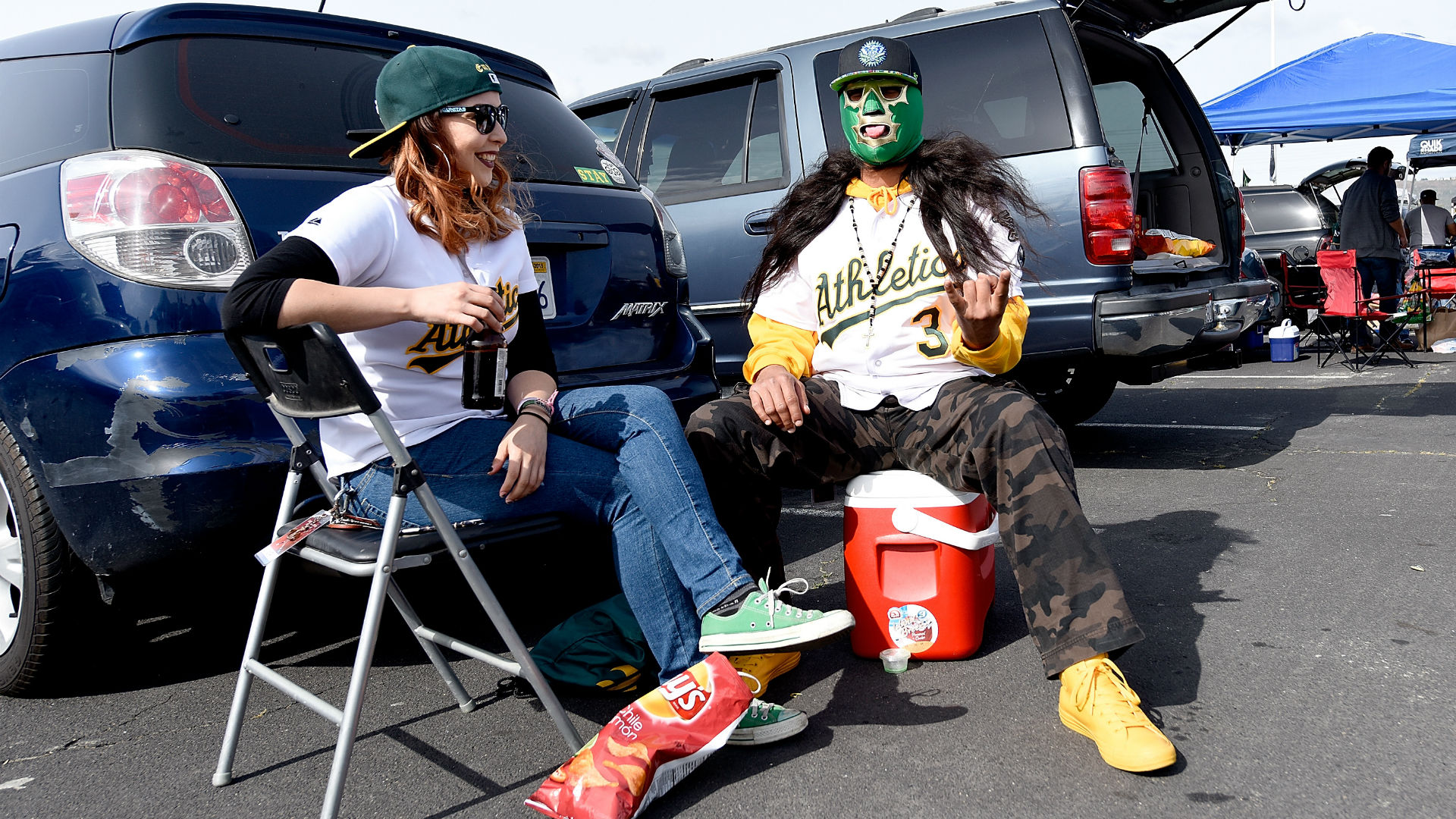 Oakland-as-fans-ftr-getty-050615_1umhxx4zm3jut14f3aq8wstieh