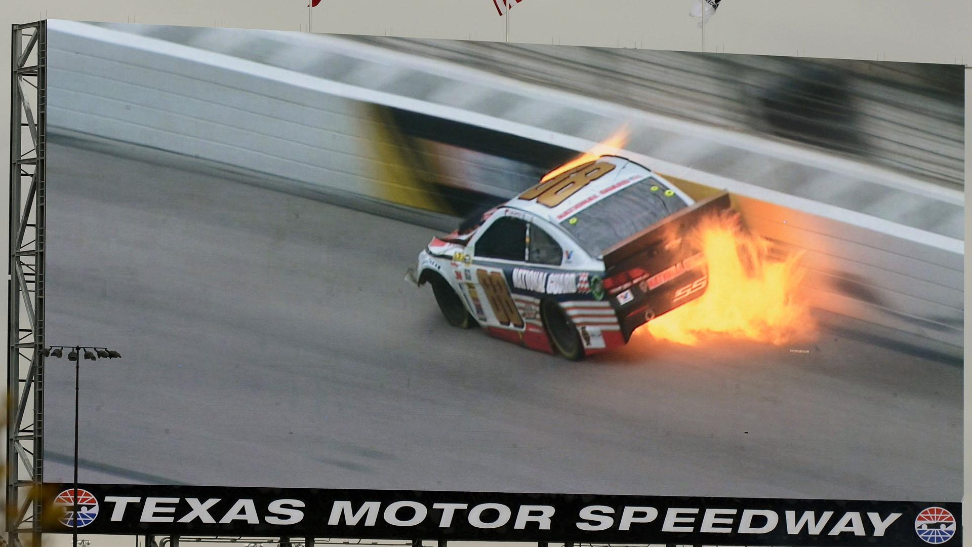 Dale Earnhardt Jr-Texas-041114-AP-FTR.jpg