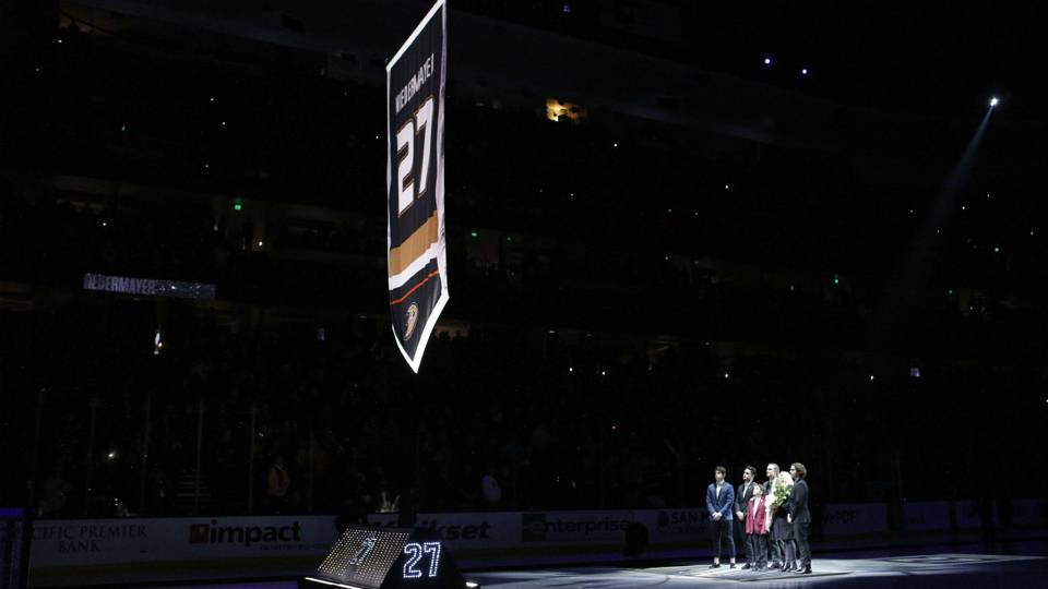 Anaheim Ducks retire Stanley Cup hero Scott Niedermayer s No. 27 ... 368dd09a8