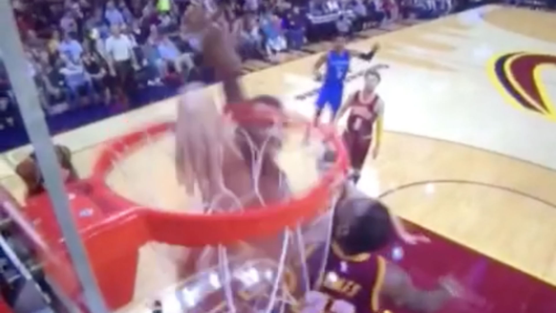 Steven Adams dunk on LeBron FTR