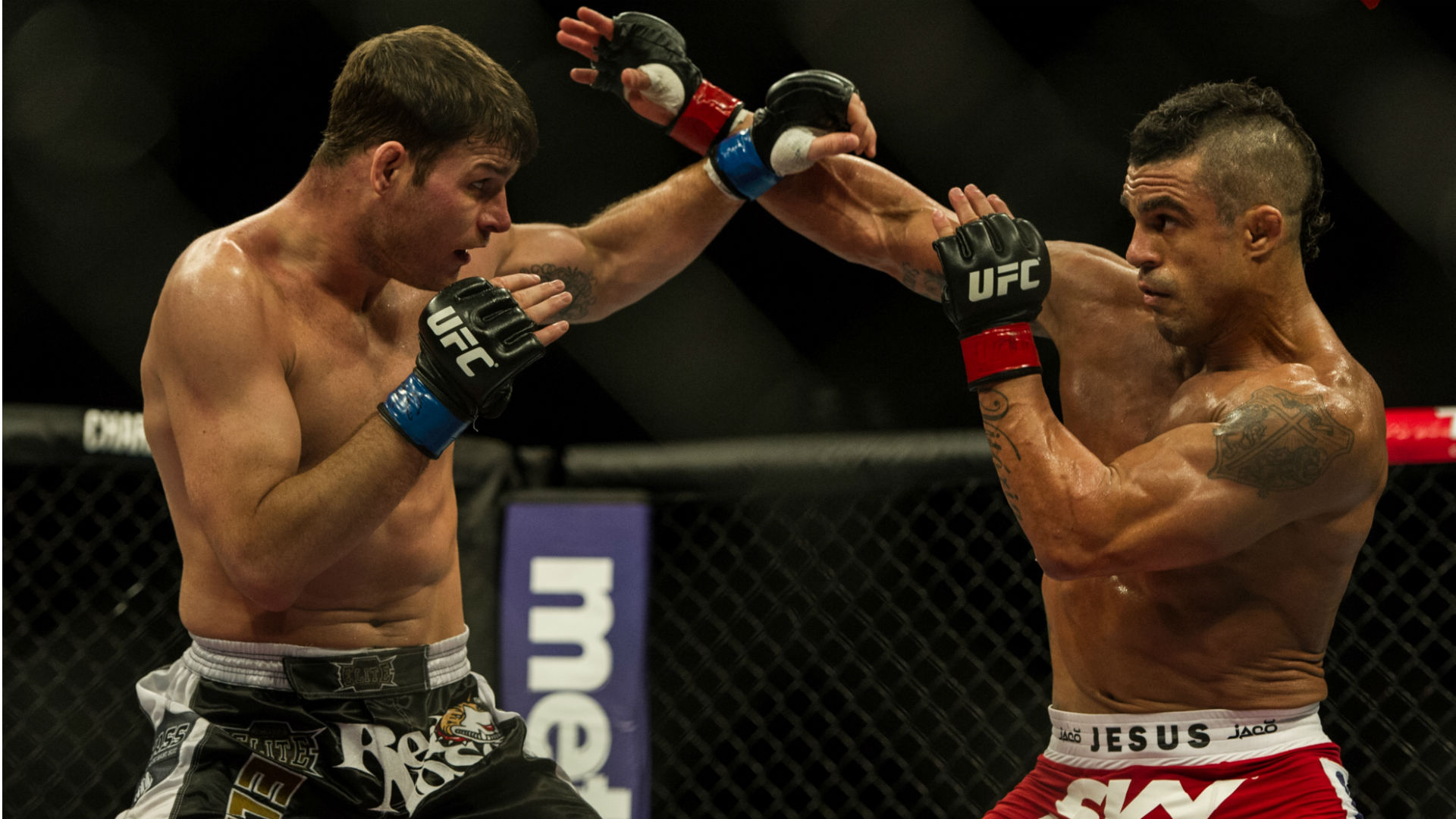 UFC 187 odds and picks - Belfort offers betting value vs. Weidman on undercard