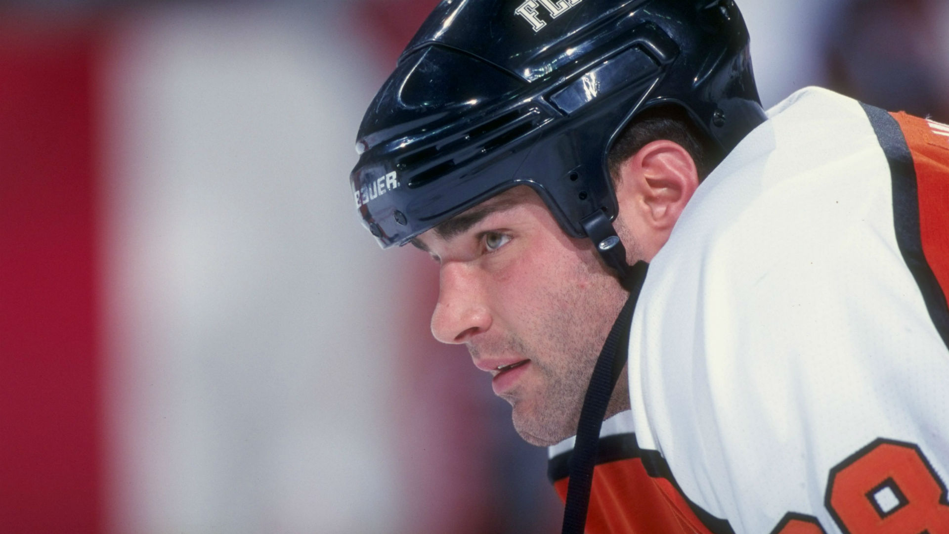 who is eric lindros dating In philadelphia, you either love eric lindros or you hate the guy but brind'amour wasn't polarizing like that the dude was the definition of a work horse and there's not a single flyers fan that wasn't crushed when he was traded to carolina.