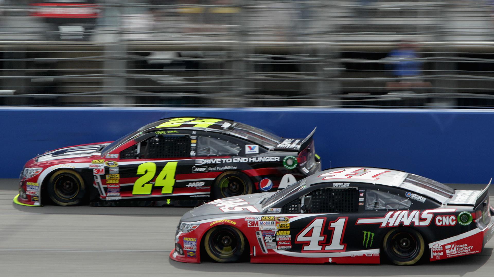 Jeff Gordon-Kurt Busch-NASCAR-FTR.jpg