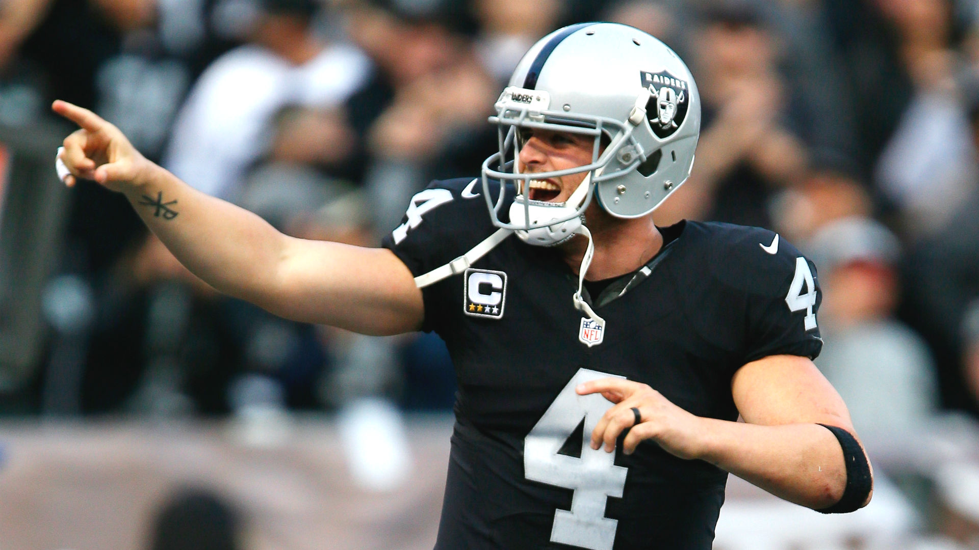 Derek Carr Returns To Better Version Of Raiders Thanks To Culture He Helped Create Nfl
