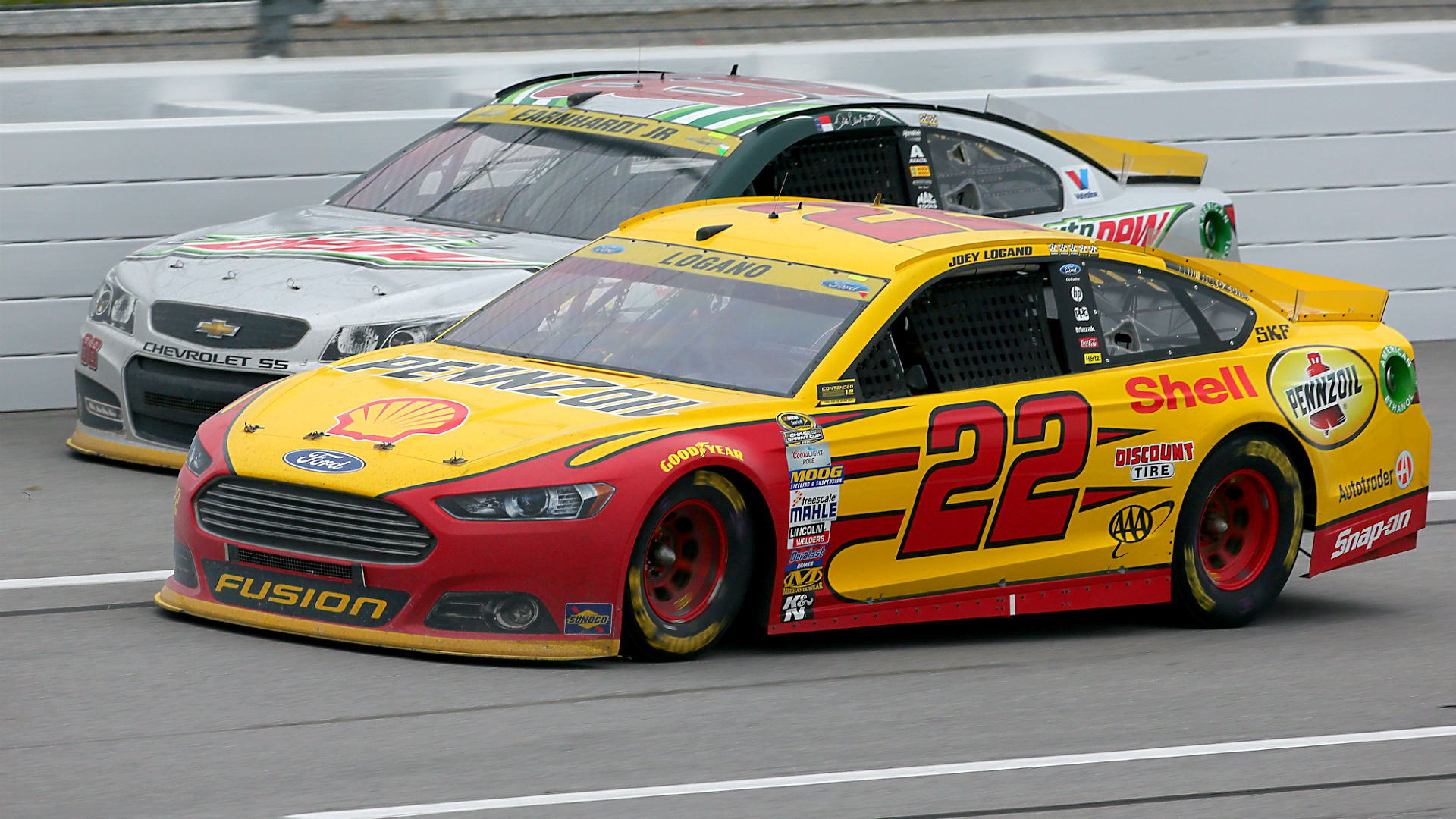 logano-joeycar102515-getty-ftr.jpg