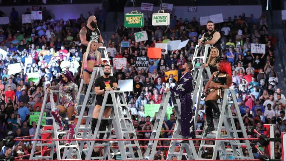 WWE-RAW-Ladders-MITB-FTR-061518