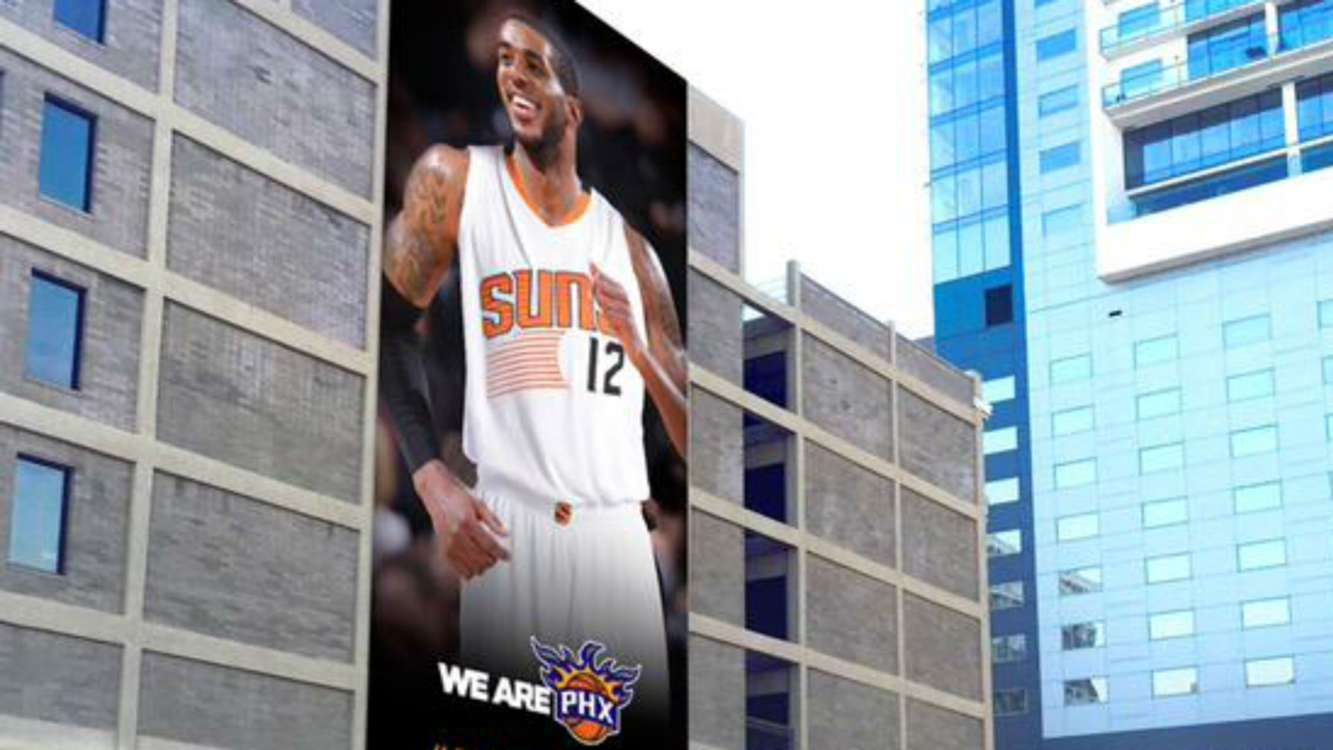 Phoenix mayor reveals LaMarcus Aldridge billboard