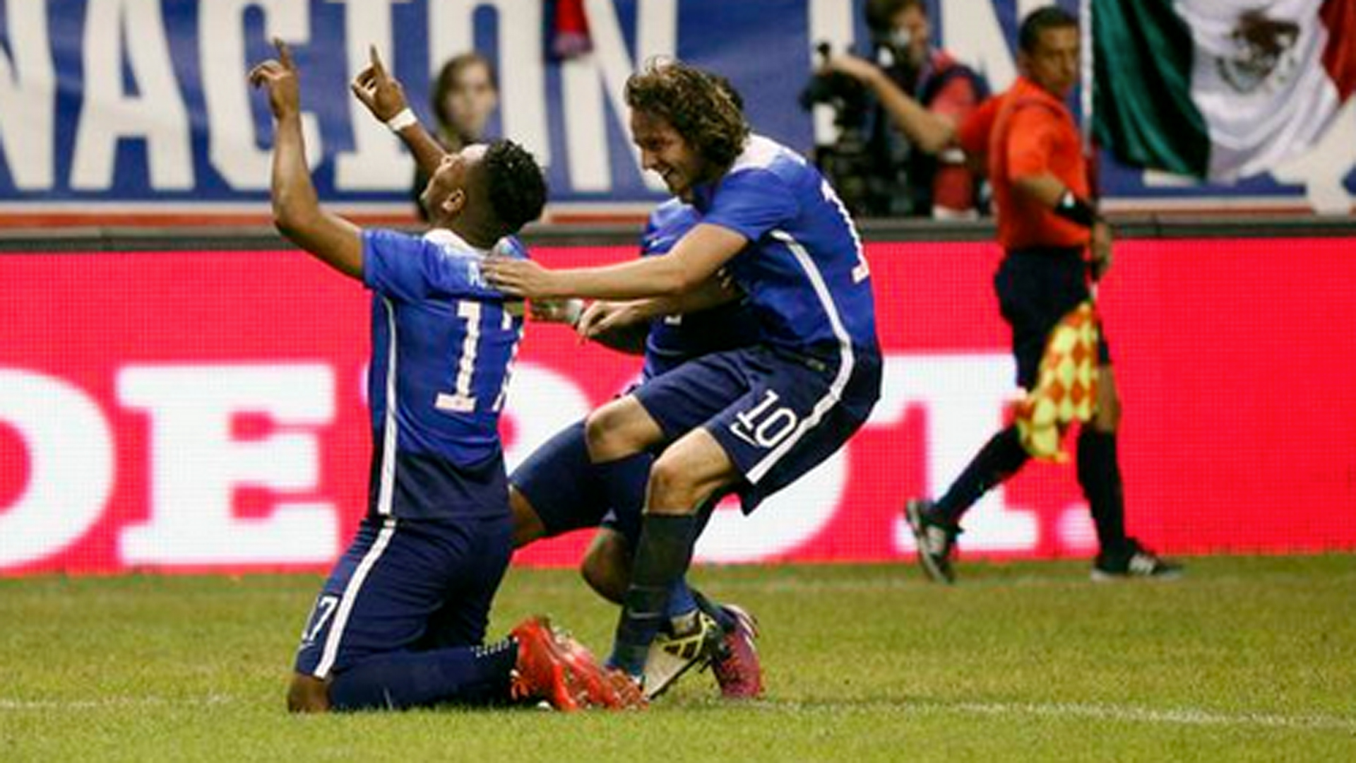 'Dos A Cero' lives on as USMNT beats Mexico in friendly