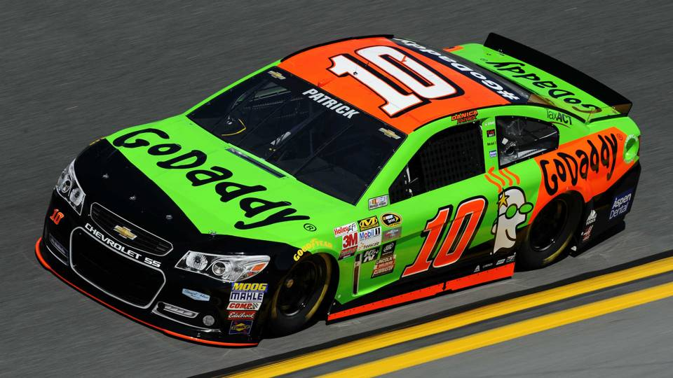 Race Car Danica Patrick >> Danica Patrick Crashes In Sprint Cup Practice Goes To Backup Car