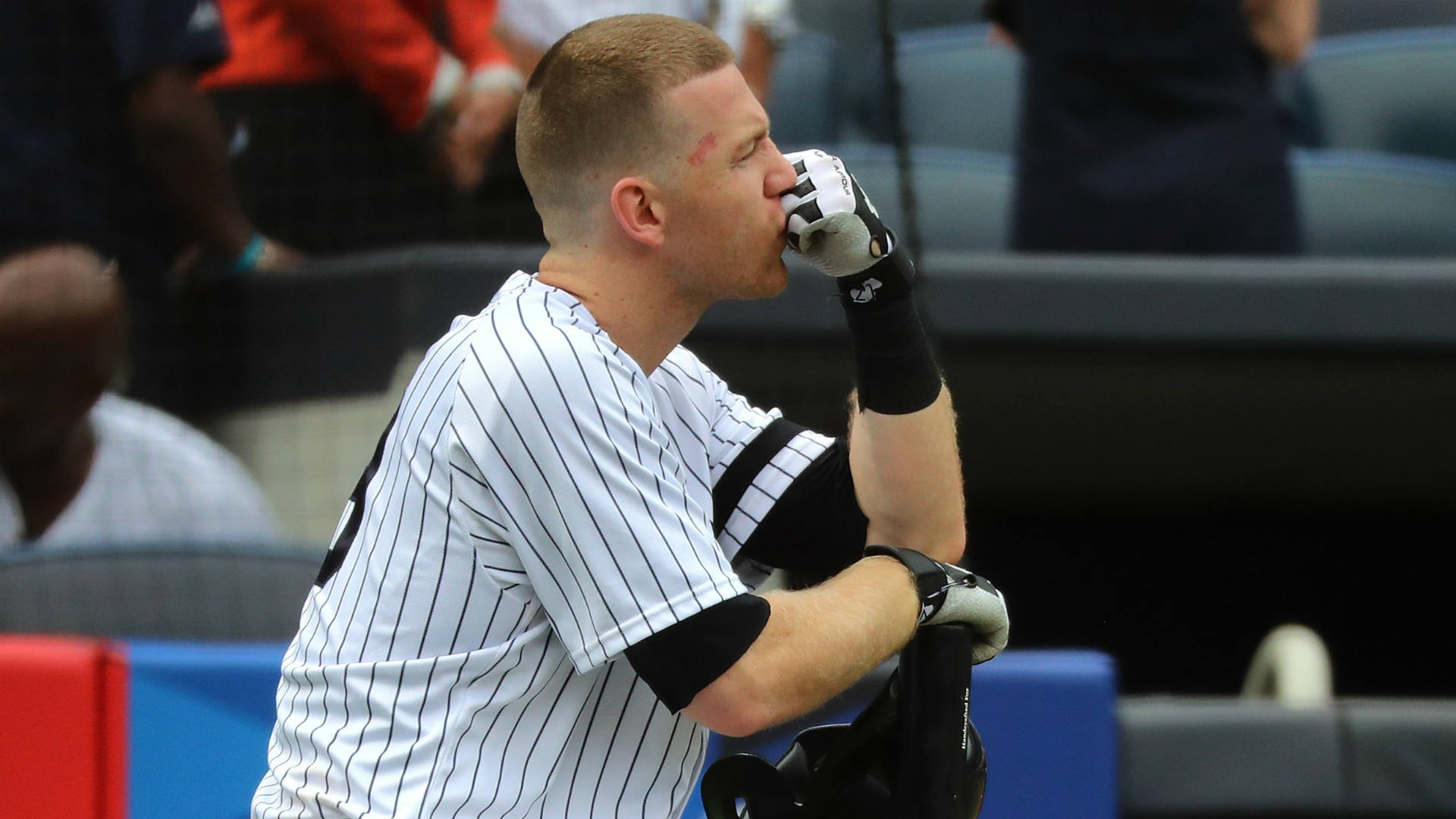 Young Fan Injured by Foul Ball at Yankee Stadium