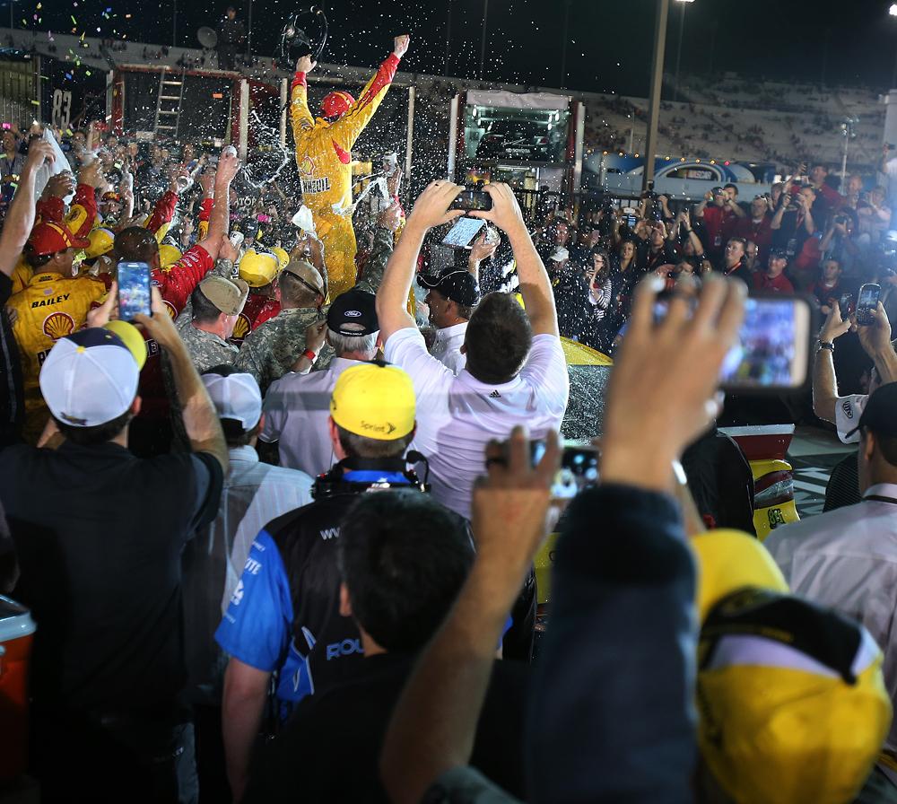 Joey Logano-win-042614-AP-DL.jpg