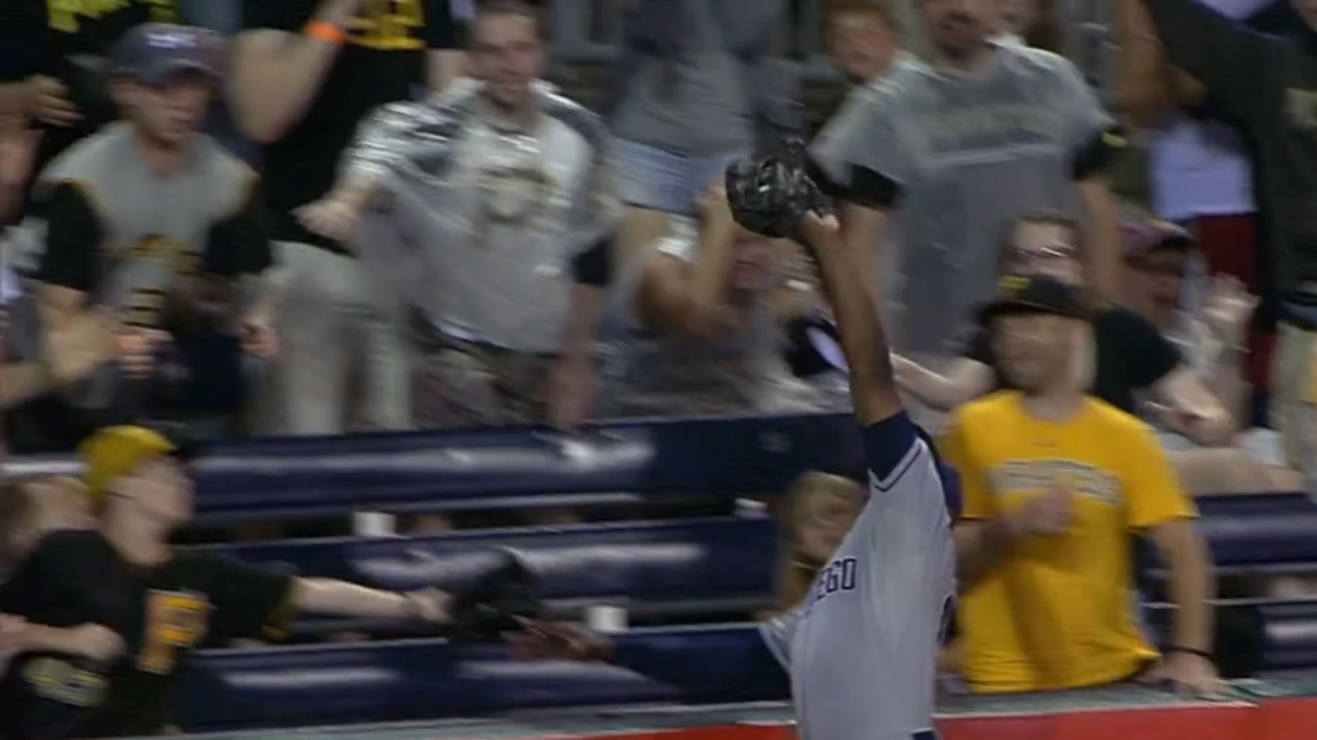 Justin Upton reaches into second row to rob Andrew McCutchen of home run