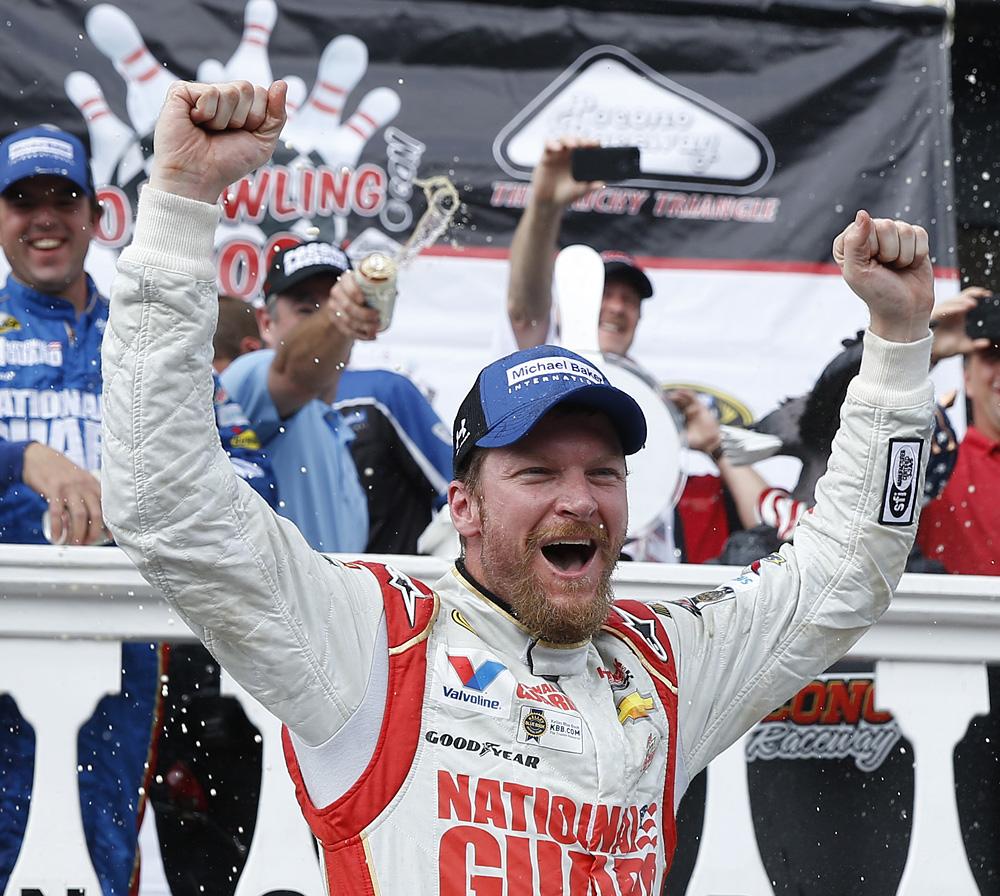 Dale Earnhardt Jr-Pocono-win-080314-AP-DL.jpg