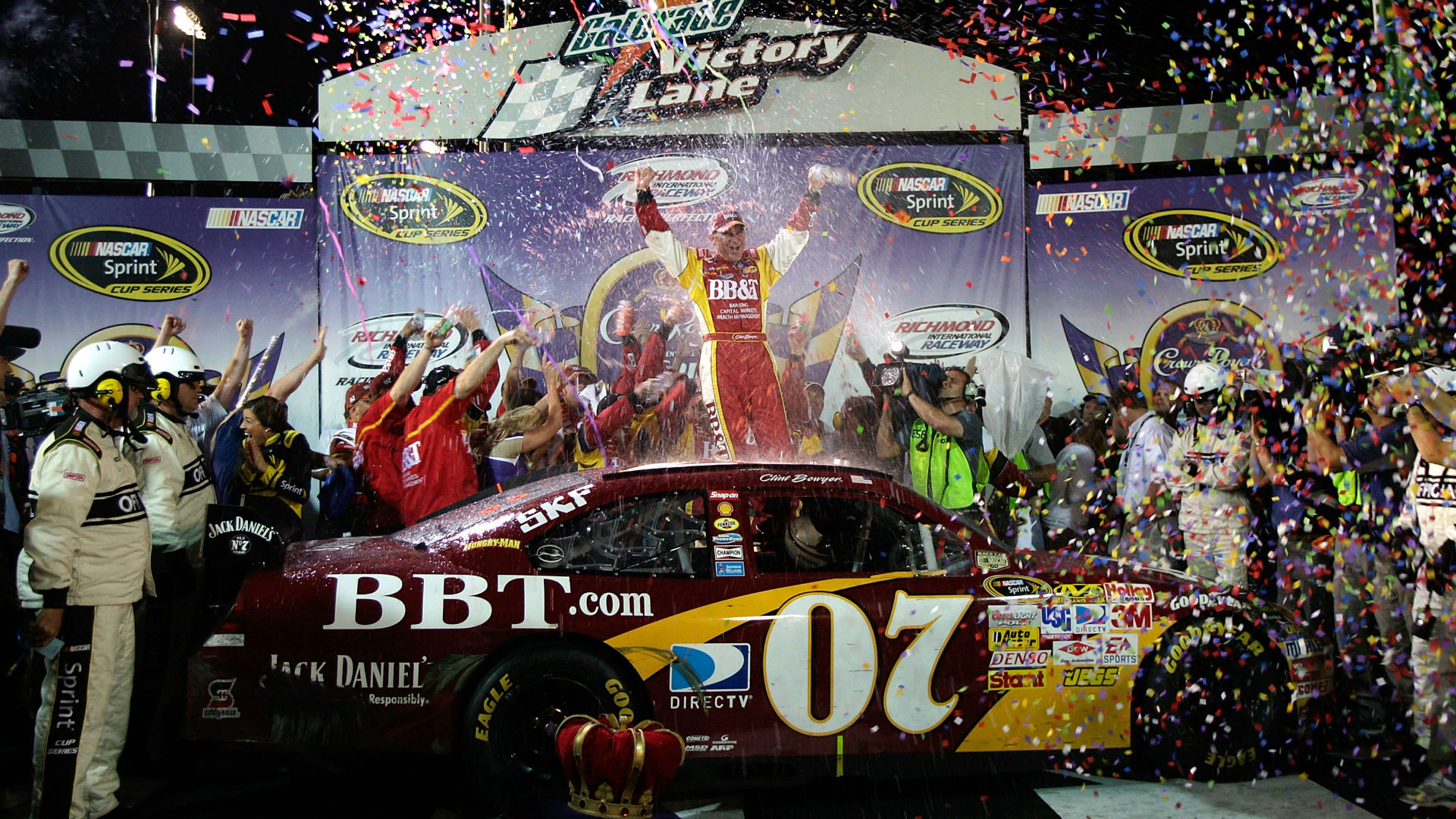 That Moment When: Dale Earnhardt Jr. spins out, Clint Bowyer wins at Richmond