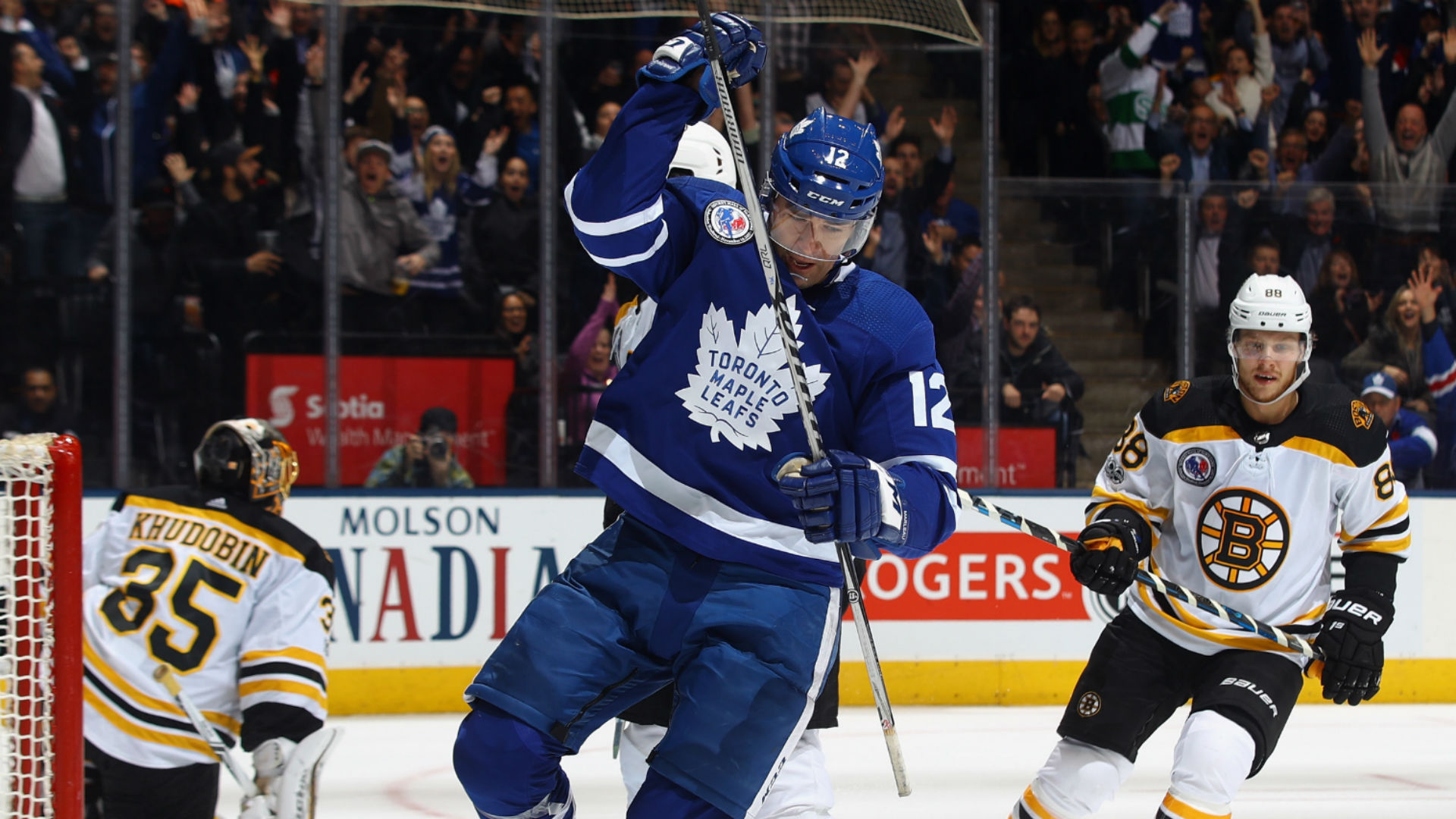 Maple Leafs forward Leo Komarov out for Game 3 against Bruins