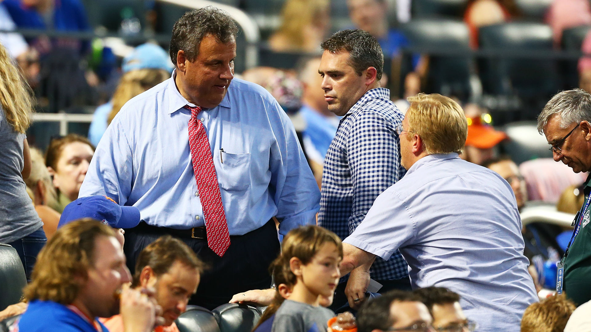 Christie gets in heckler's face at Wisconsin baseball game