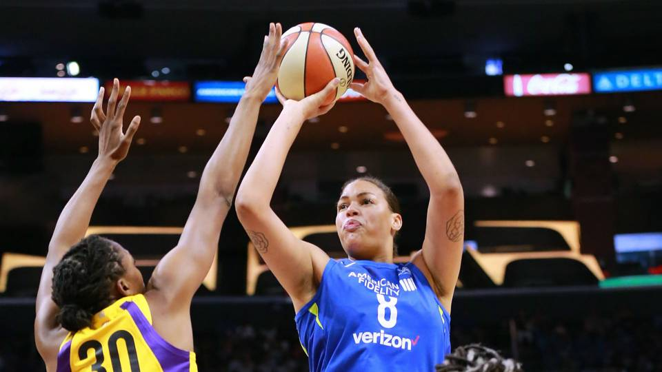 four wild facts about liz cambage s record setting 53 point game