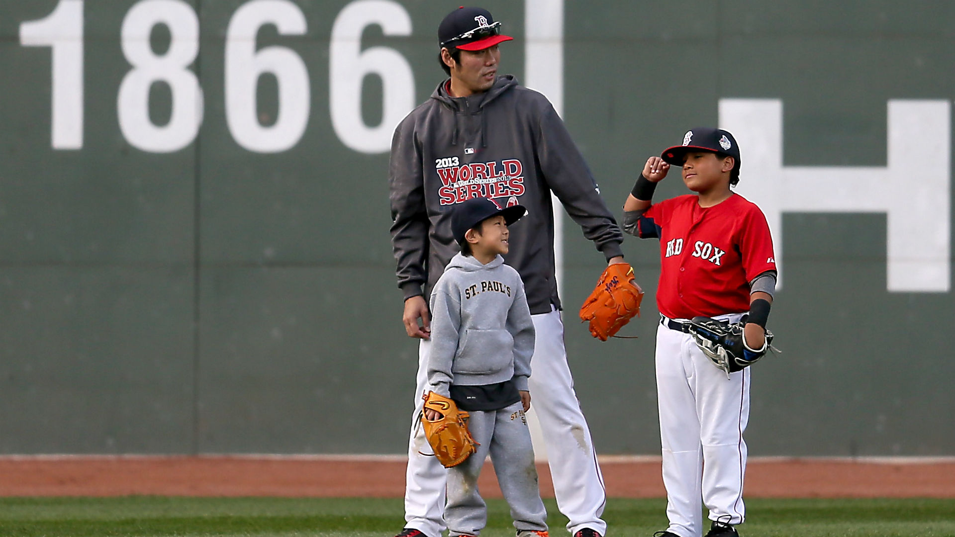 D Angelo Ortiz Teaching His Dad How To Nae Nae David Ortiz Aka Big Papi