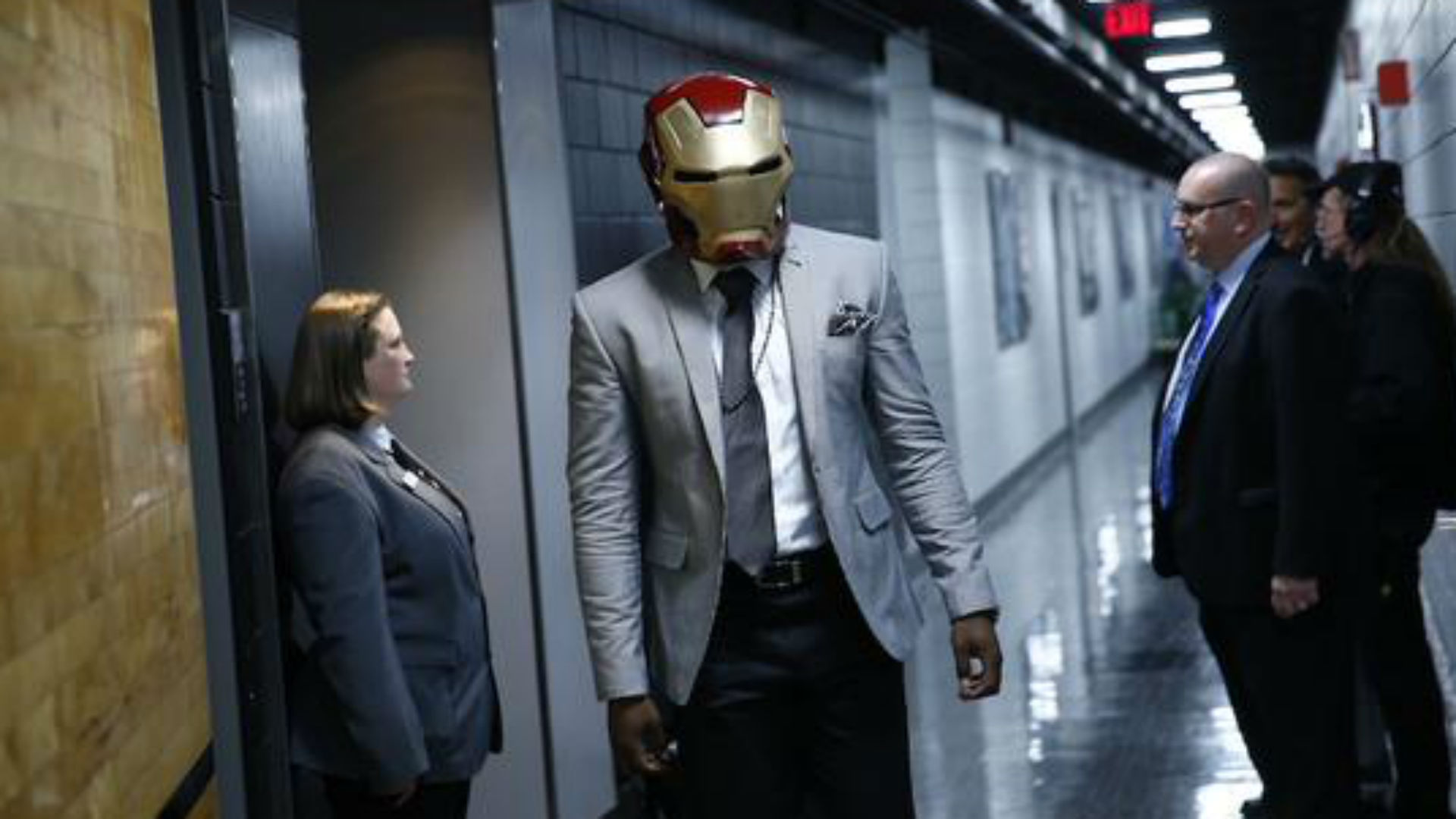 Wes Matthews arrives at Blazers game wearing Iron Man mask