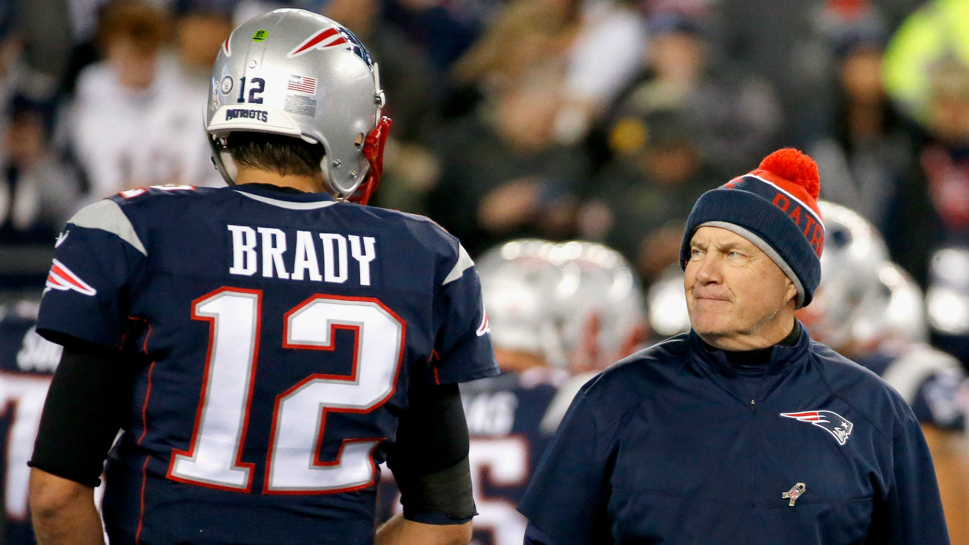 Patriots coach Bill Belichick downplays talk of Tom Brady concussion