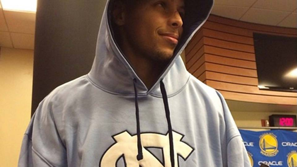 steph-curry-sweatshirt-122213-instagram-ftr