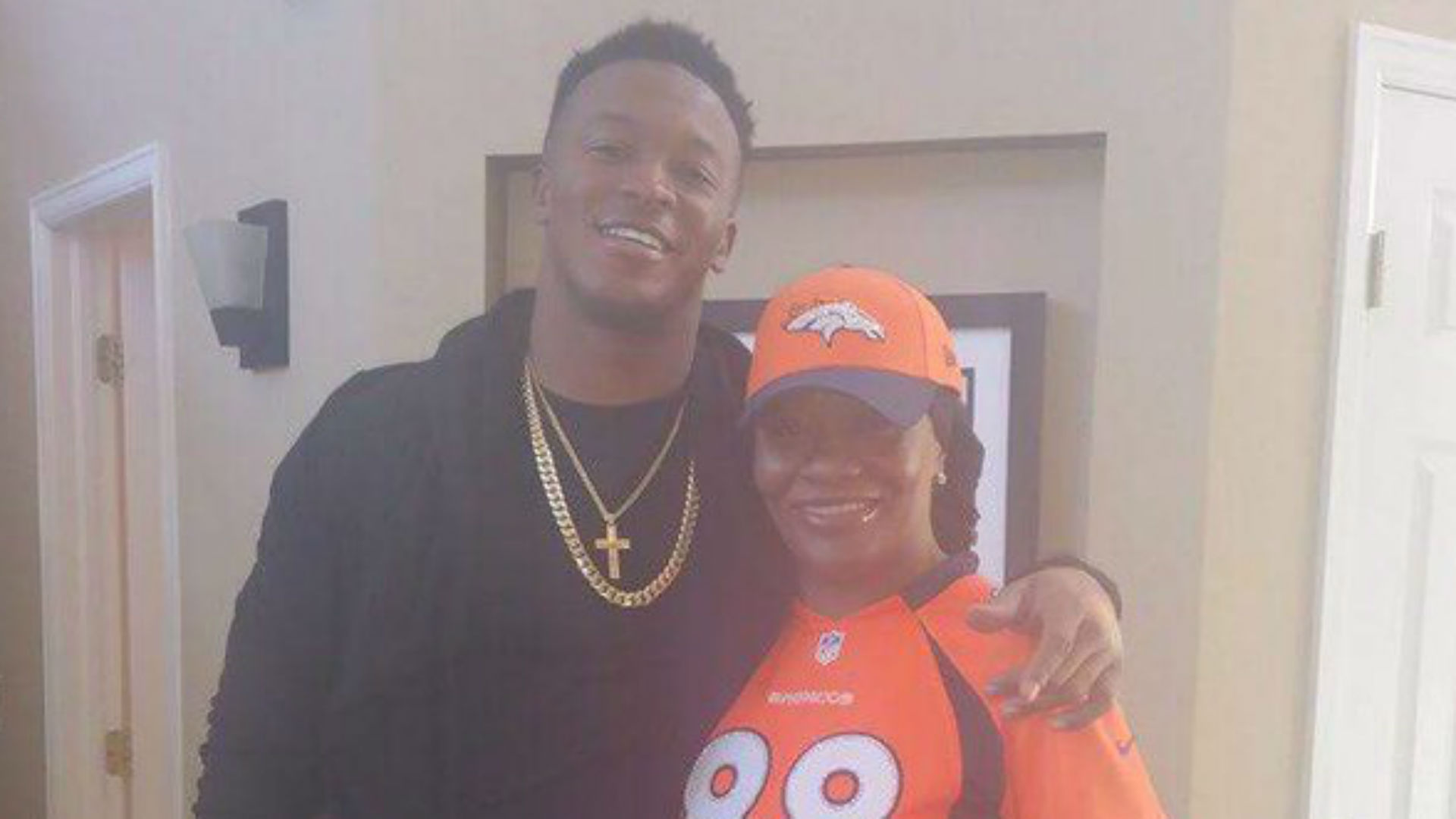 demaryius-thomas-katina-smith-011716-ftr-twitter.jpg