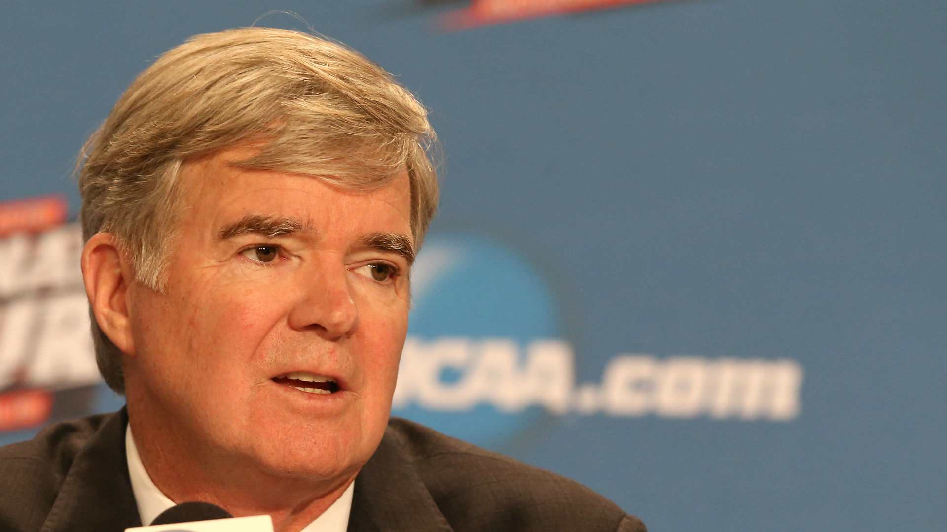Mark Emmert releases statement on Yahoo! Sports article, outlining college hoops corruption - NCAA Basketball ...