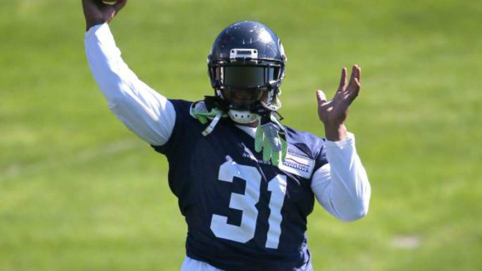 Marshawn Lynch wears Kam Chancellor jersey at Seahawks practice ... f447f8d54