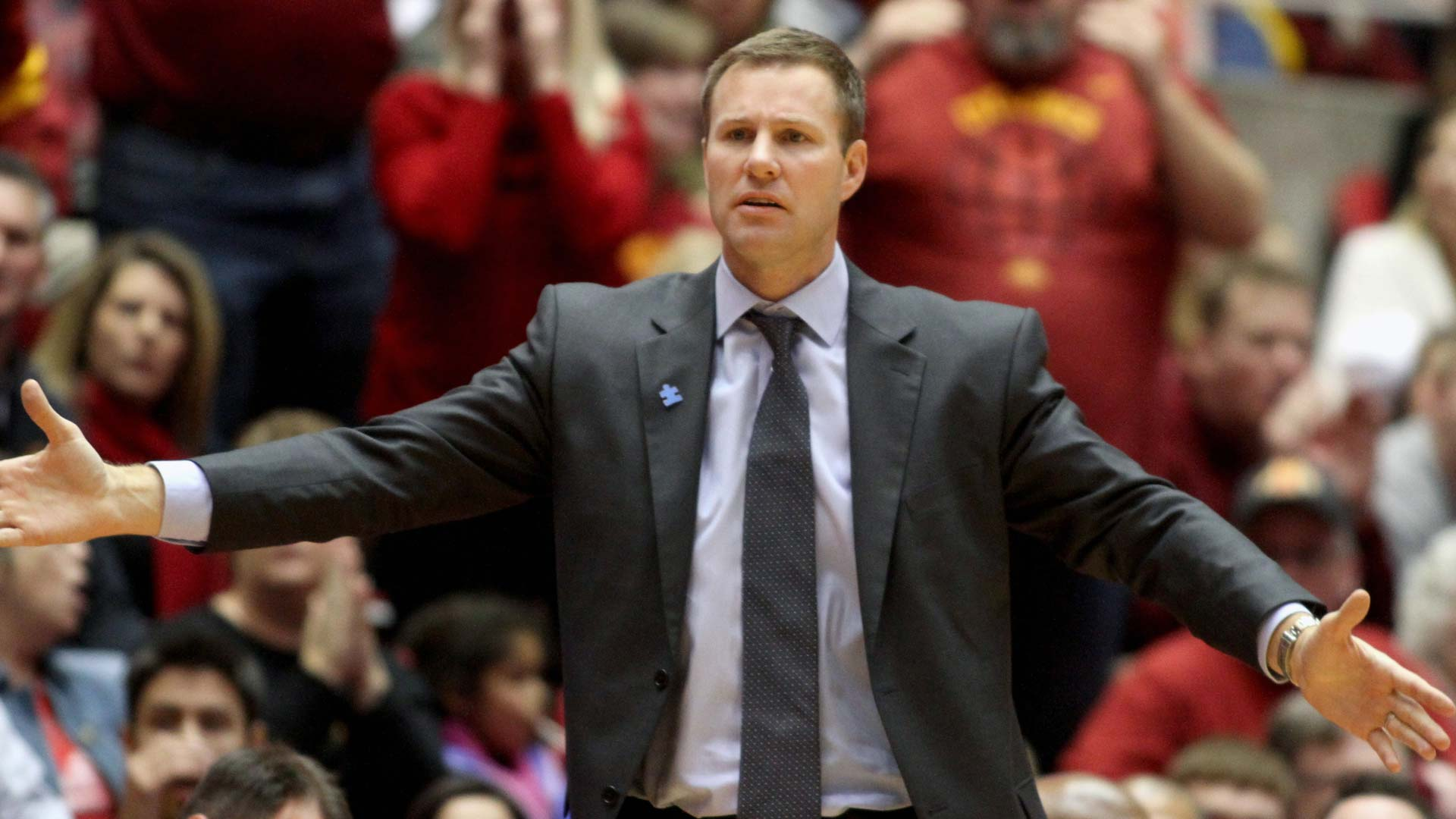 Iowa State AD urges fans to remain calm amid Hoiberg-mania