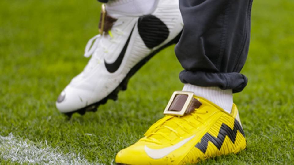 Odell Beckham Jr.\'s Charlie Brown and Snoopy inspired cleats are the ...