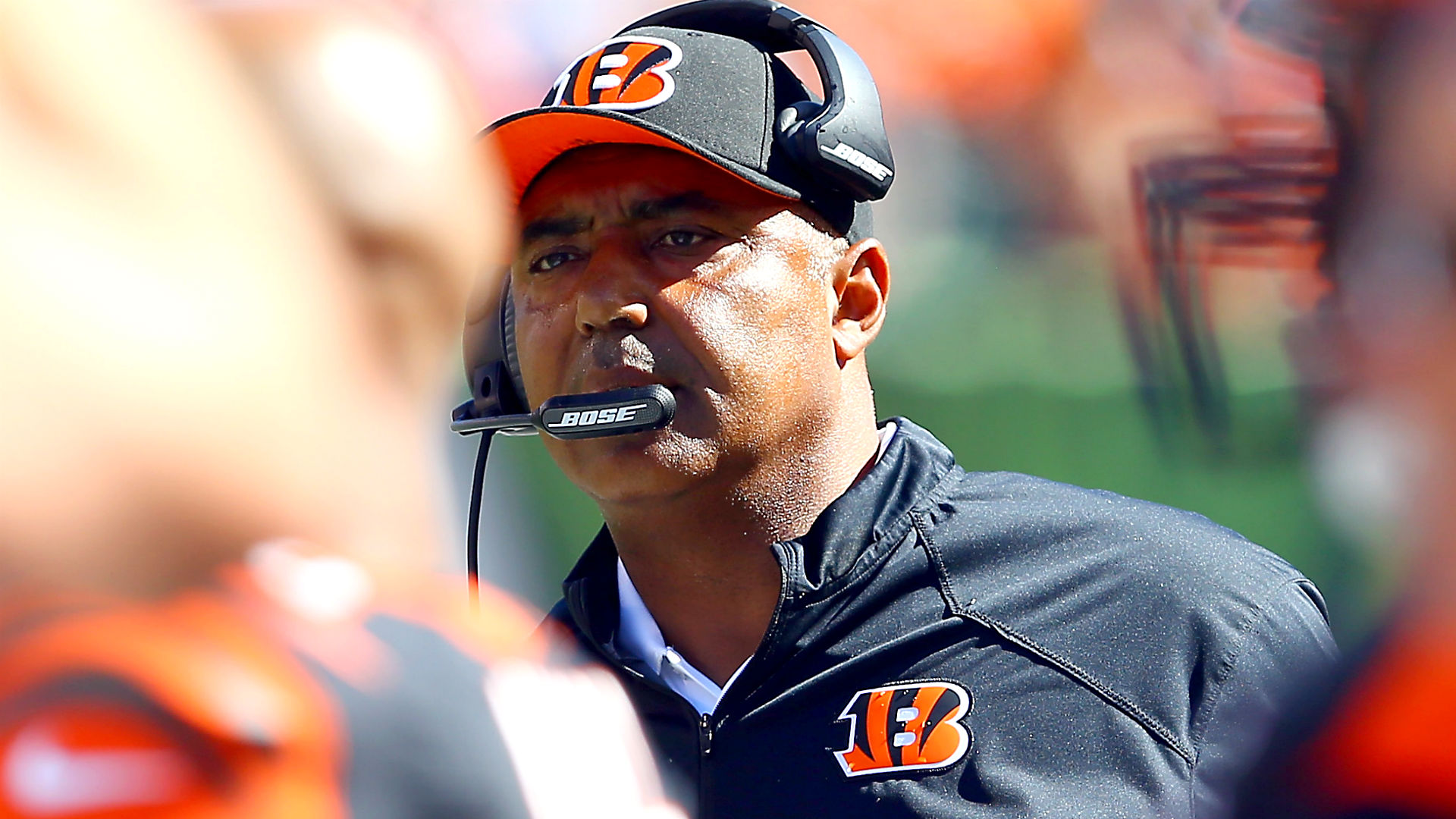 Bengals coach Marvin Lewis says he will return in 2017