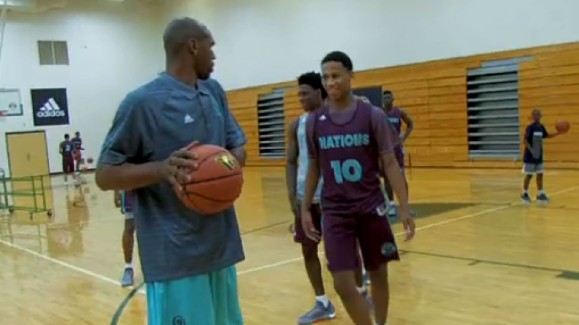 Jerry Stackhouse can still dominate high schoolers in one on one