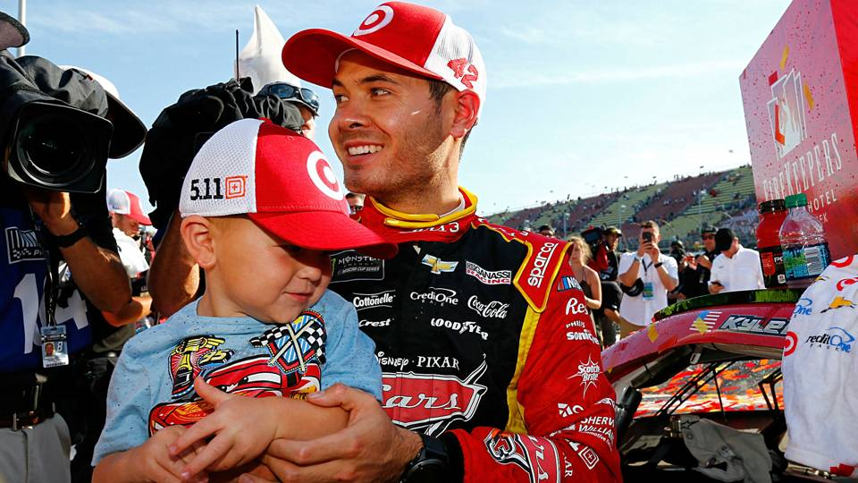 Kyle-Larson-win-son-061817-Getty-FTR.jpg
