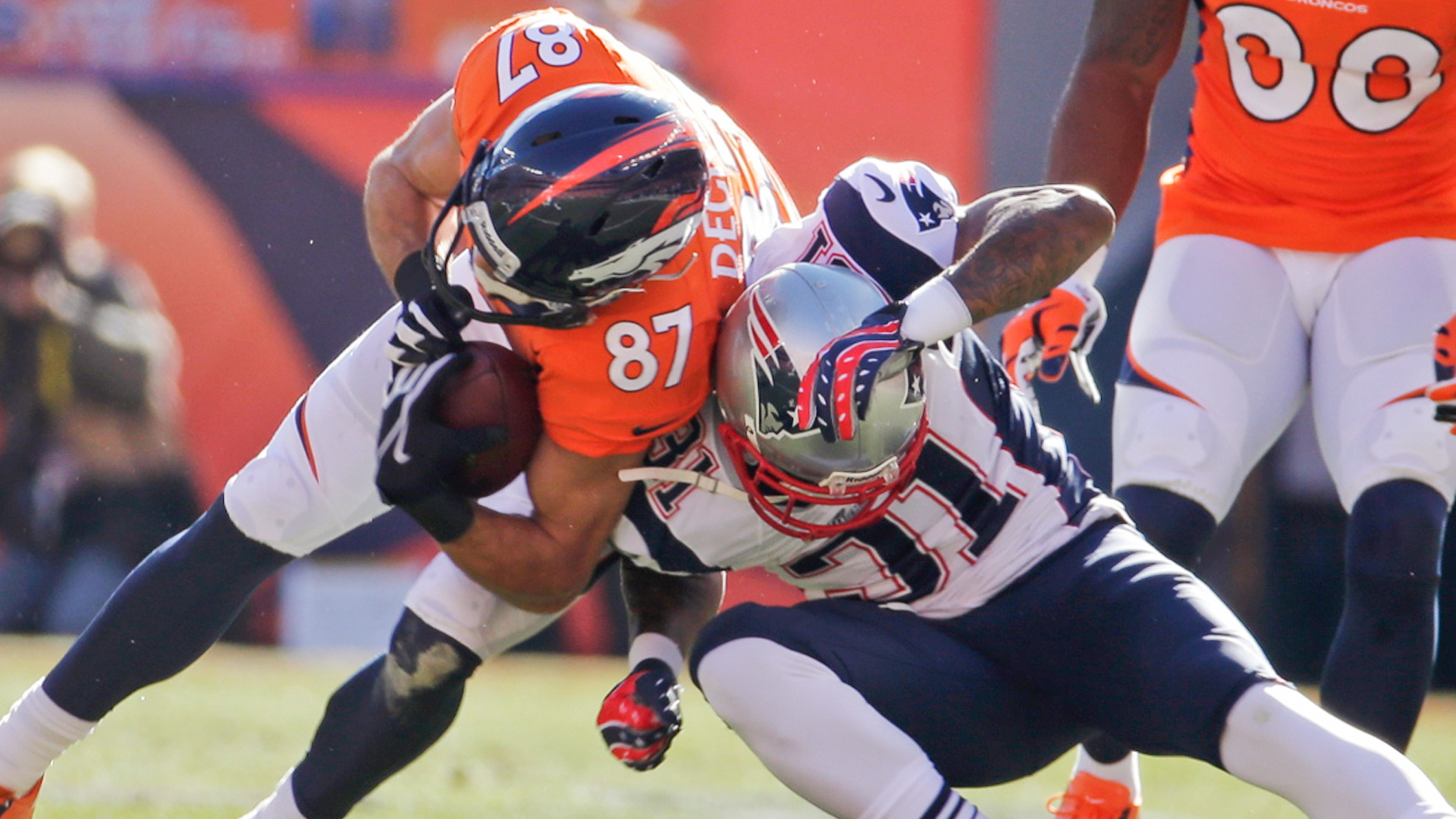 Patriots-Broncos-011914-AP-FTR.jpg
