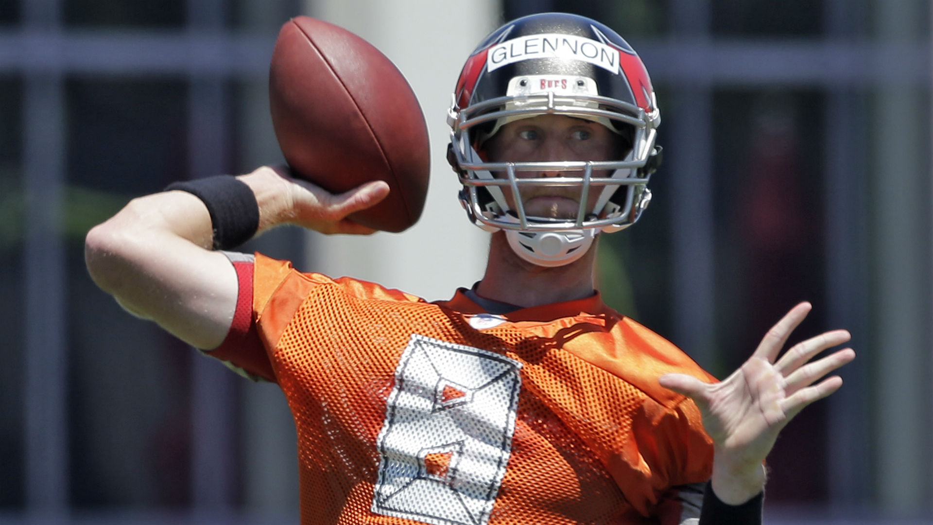 Mike Glennon in play as Buccaneers' starting QB