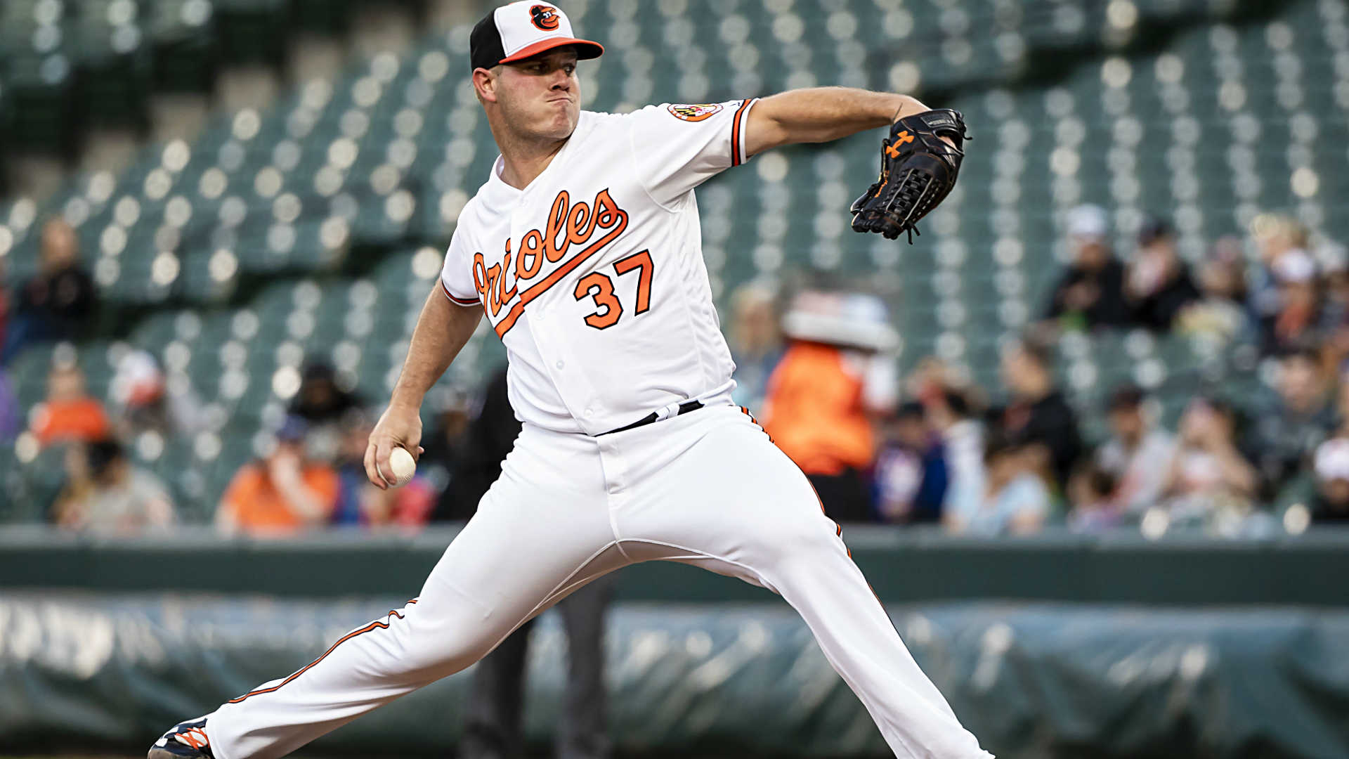 O's Bundy pulled after giving up seven runs, no outs
