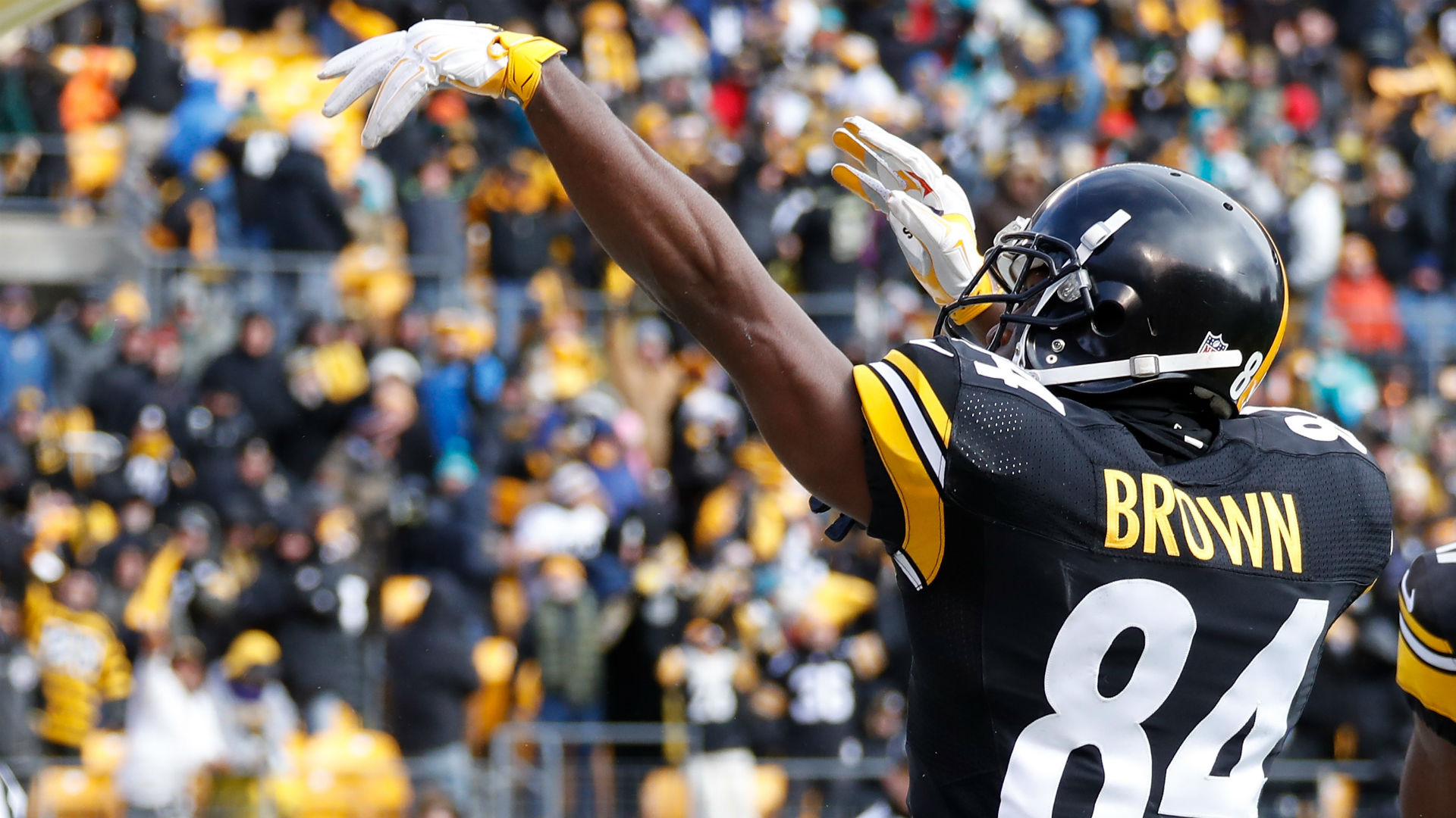 Antonio Brown says Steelers should make Le'Veon Bell extension a priority
