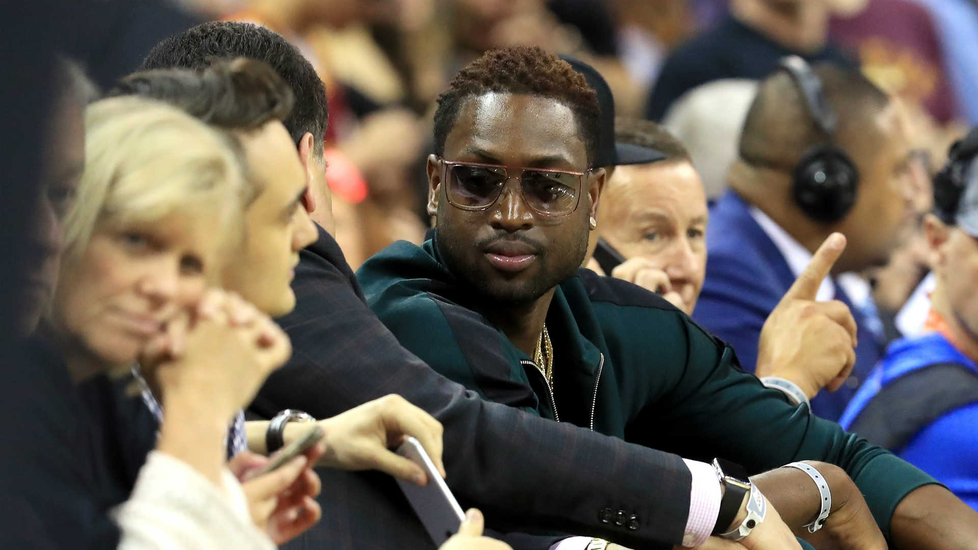 Dwyane Wade roasted by Twitter for NBA Finals Game 4 ...
