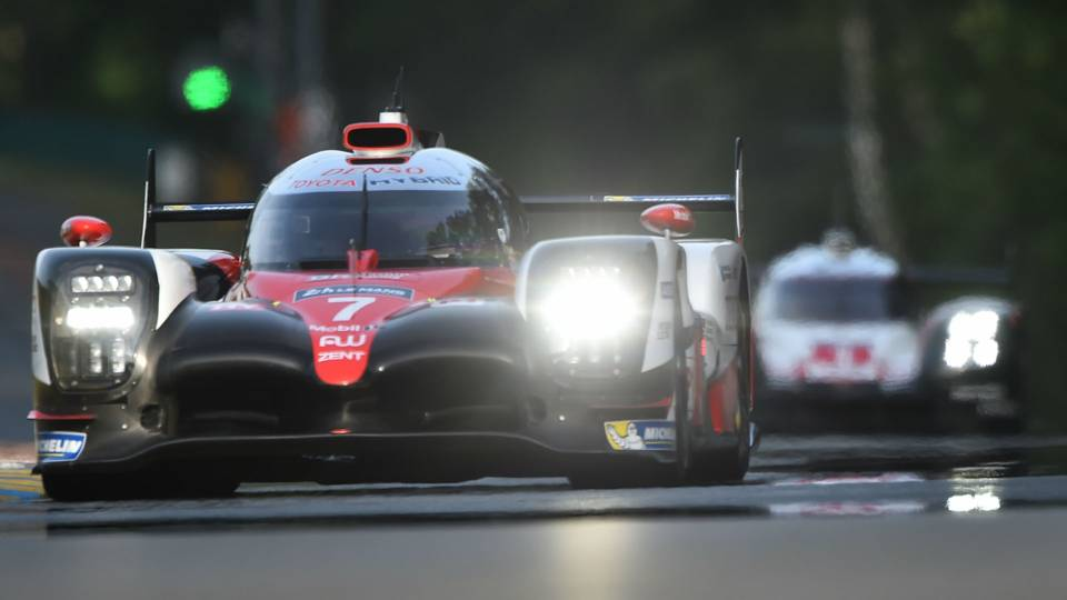 24 hours of le mans 2017 porsche wins third straight le mans after late comeback other sports. Black Bedroom Furniture Sets. Home Design Ideas