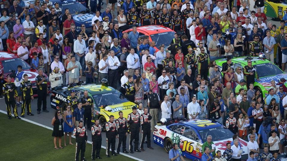 NASCAR crews-anthem-071714-AP-FTR.jpg