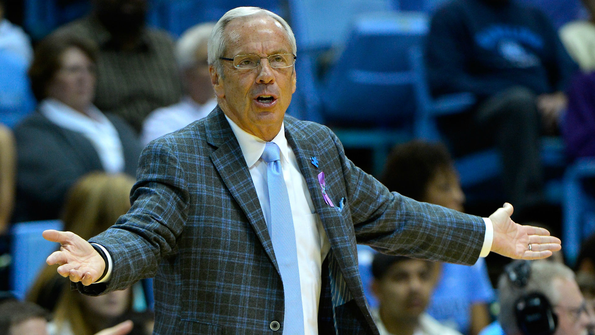 Recruit says Roy Williams assured him basketball program not facing NCAA sanctions