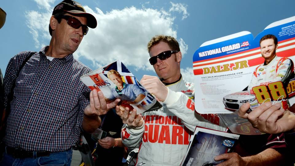 Dale Earnhardt Jr-050114-AP-FTR.jpg