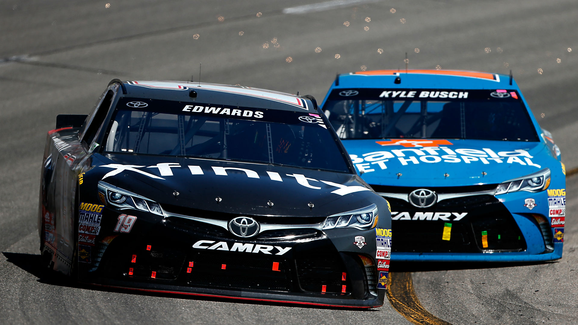 Edwards wins second-straight after battle with teammate