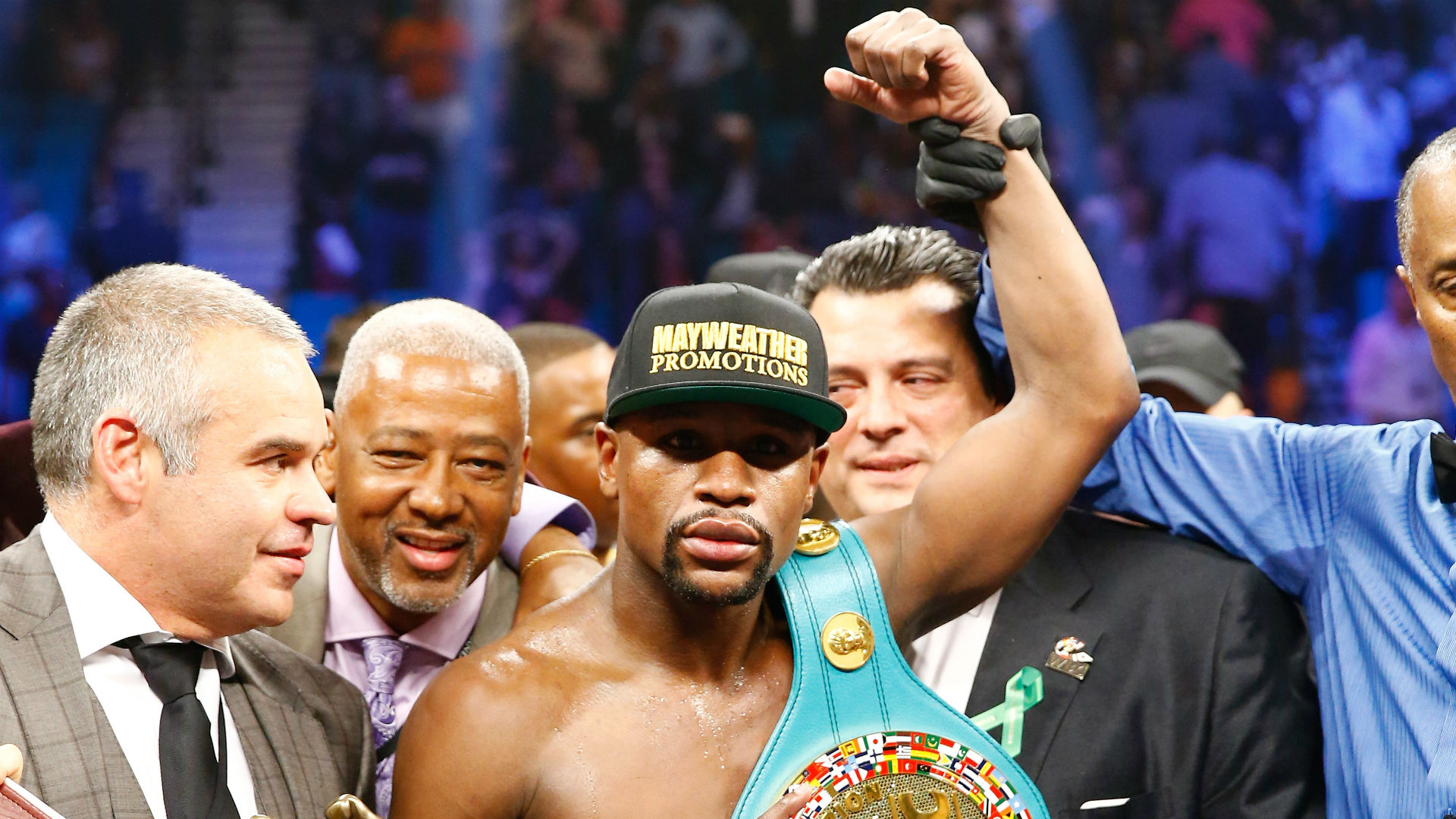 Floyd Mayweather opens as huge favorite over Andre Berto at Vegas book