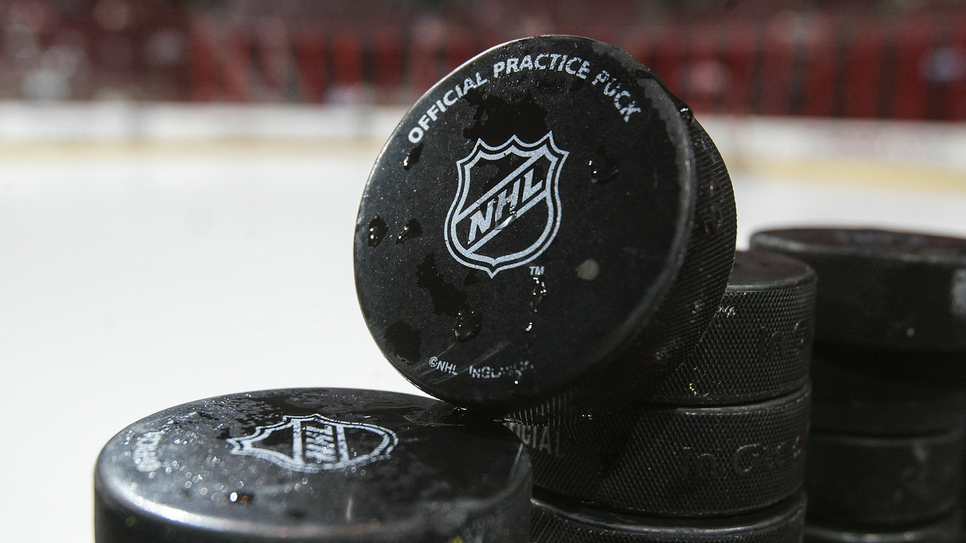 Art-03-nhl-hockey-pucks-070316-getty-ftrjpg_1wezgcxzjwq8z1gg9eqdnk4ddg