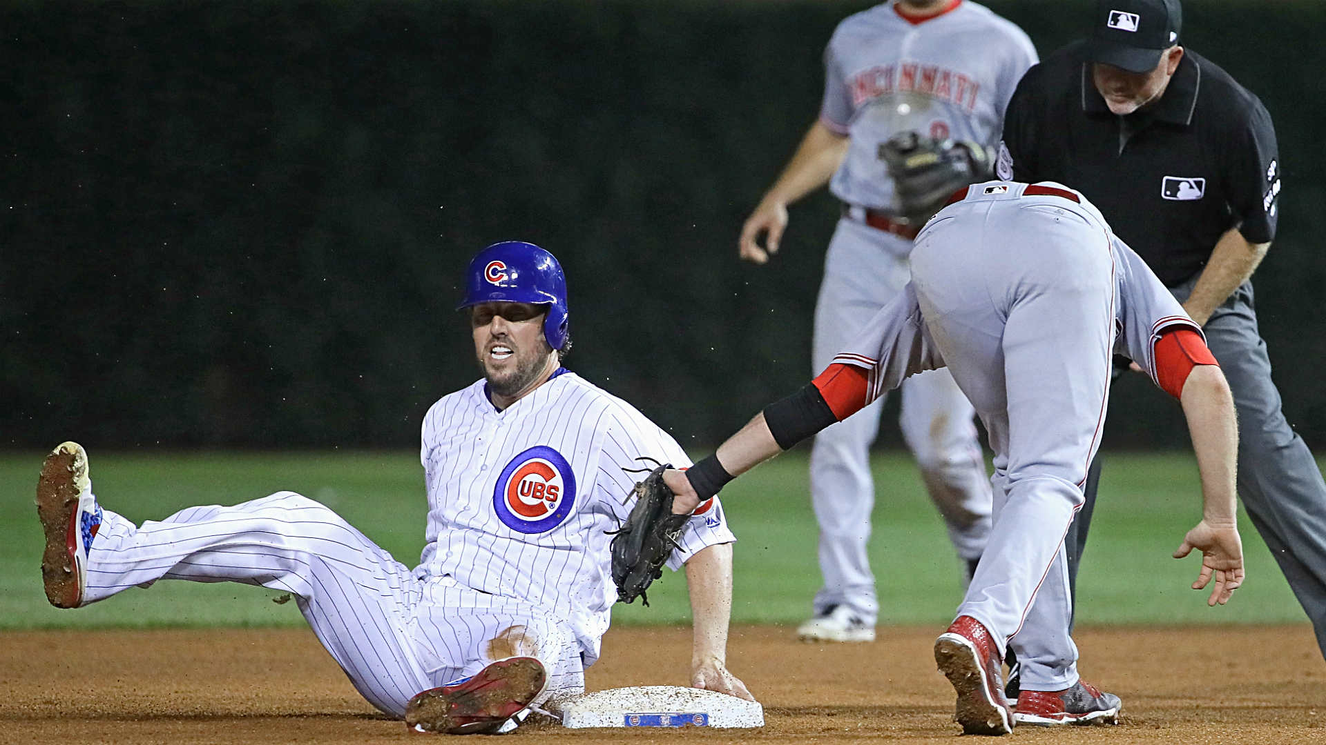 Cubs employ 4-man outfield alignment vs. Joey Votto. The result?