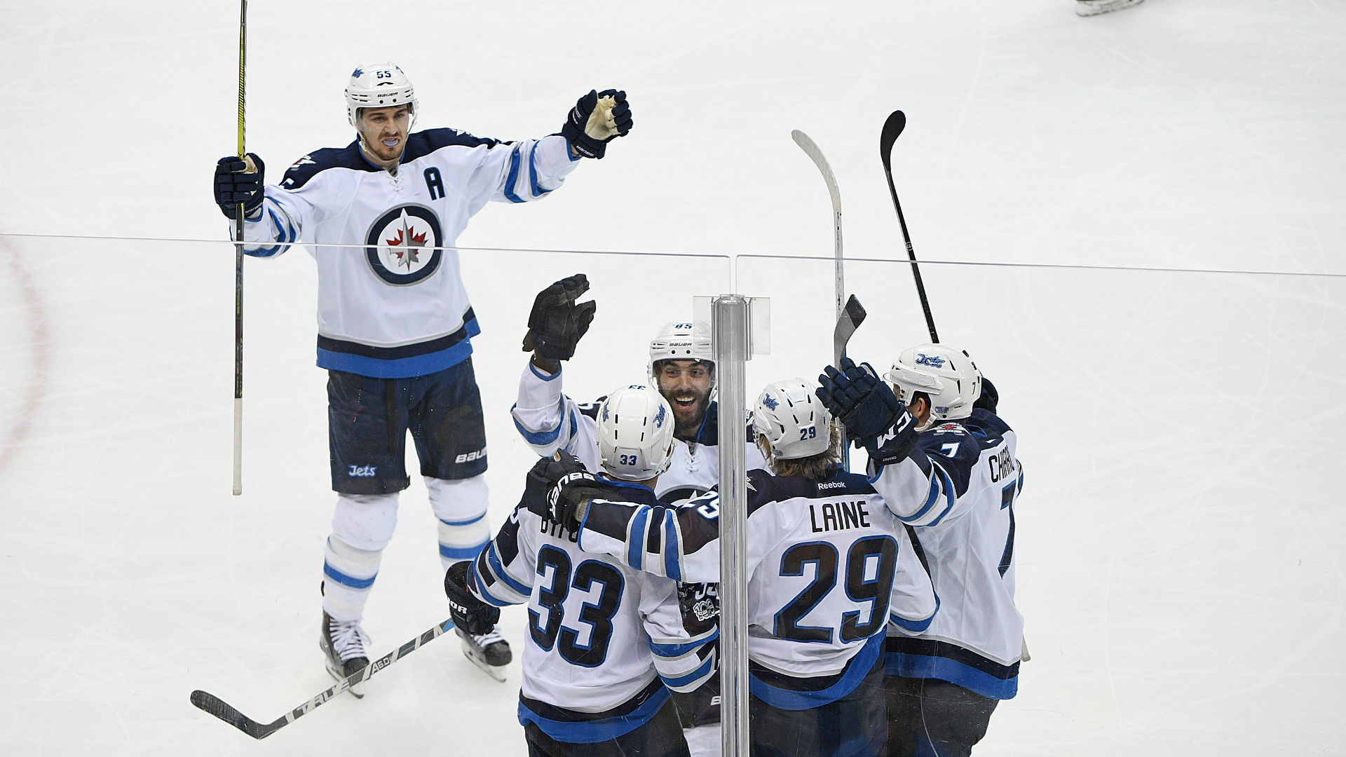 Winnipeg-jets-ftr-090717-getty_16ues4x4pw6ic1s17kczd3de6c