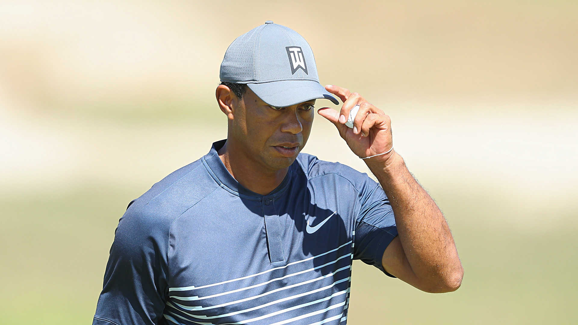 tiger woods score  round 1 updates  leaderboard from u s