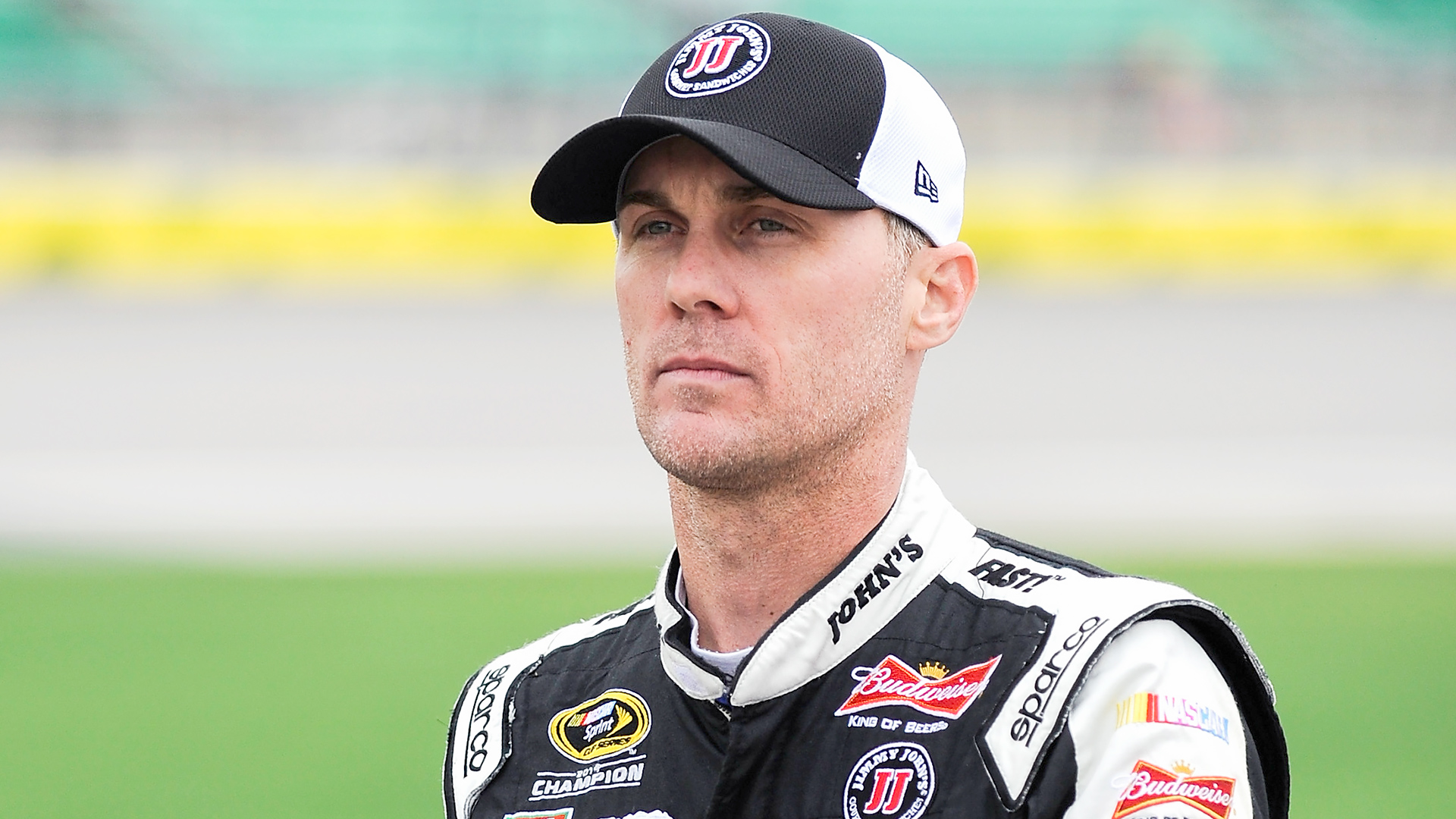 NASCAR odds and betting preview – Making a case against Harvick at Phoenix