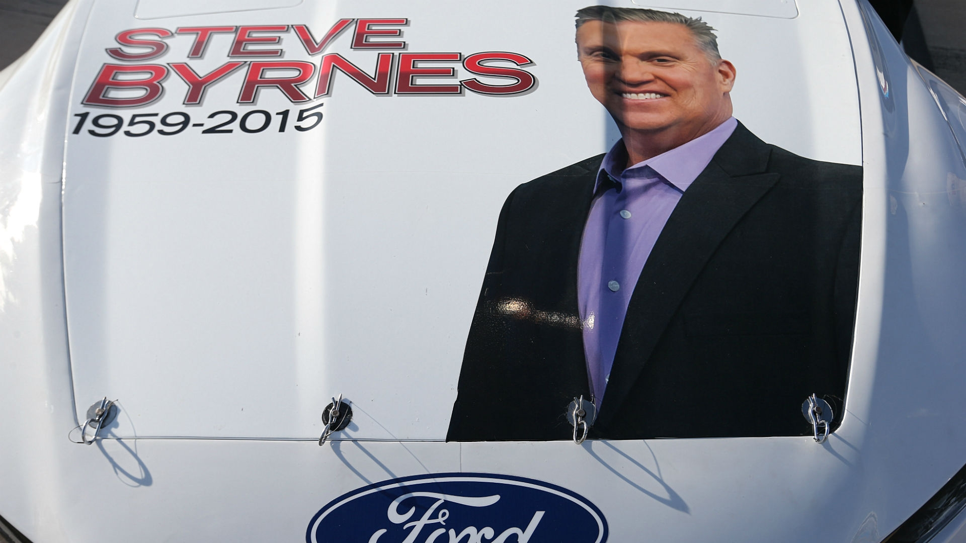 NASCAR teams honor the late Steve Byrnes at Richmond